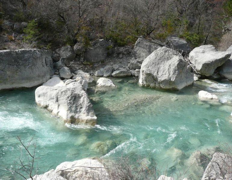 Baignade dans la Roanne - affluent de la Drome
