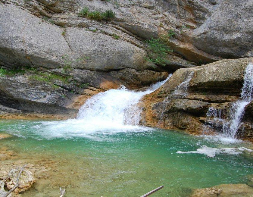 Baignade dans la Brette - affluent de la Roanne